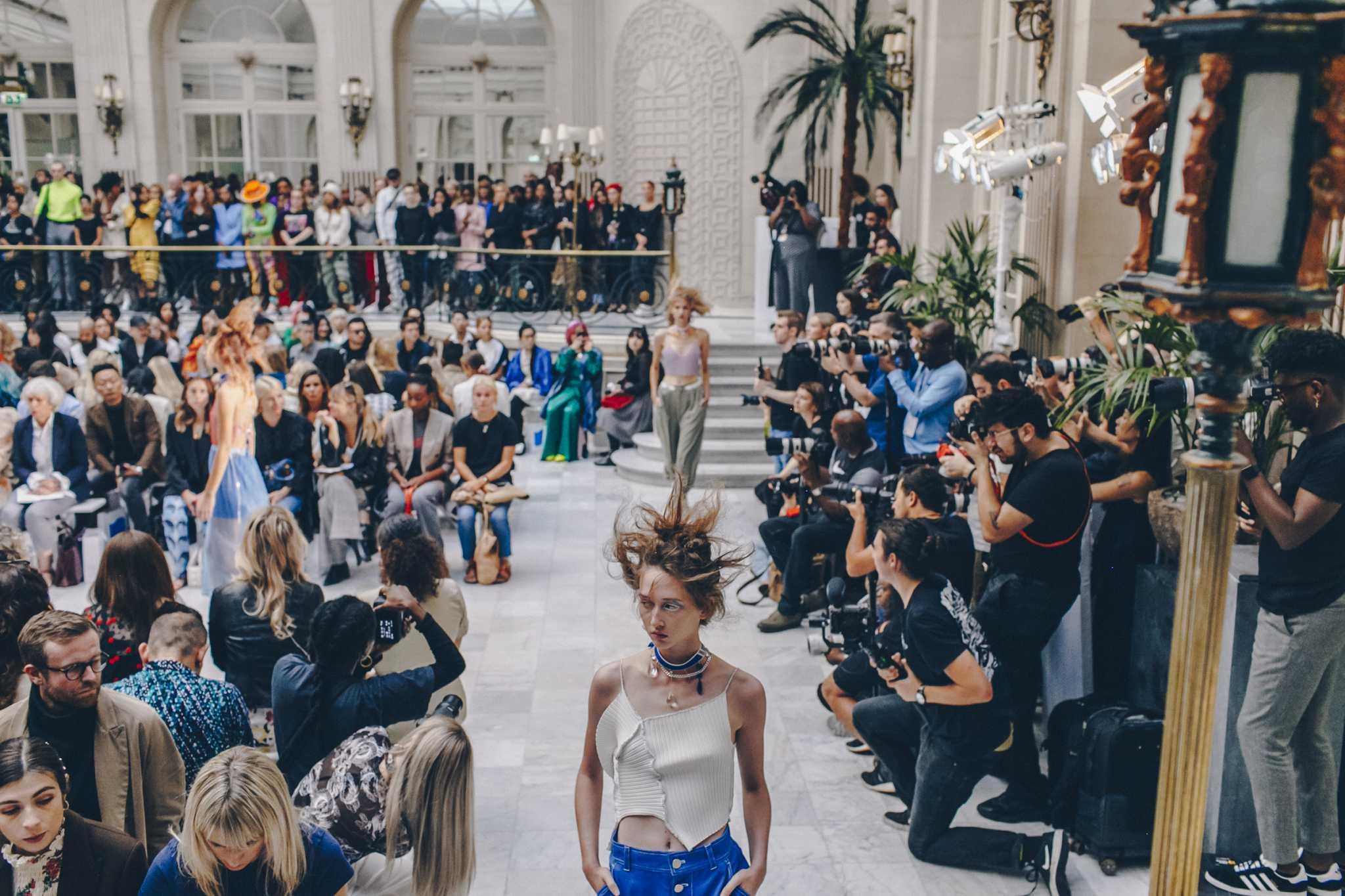 London Fashion week crowd and models